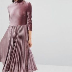 ISO Oasis Pleated Velvet Midi Dress